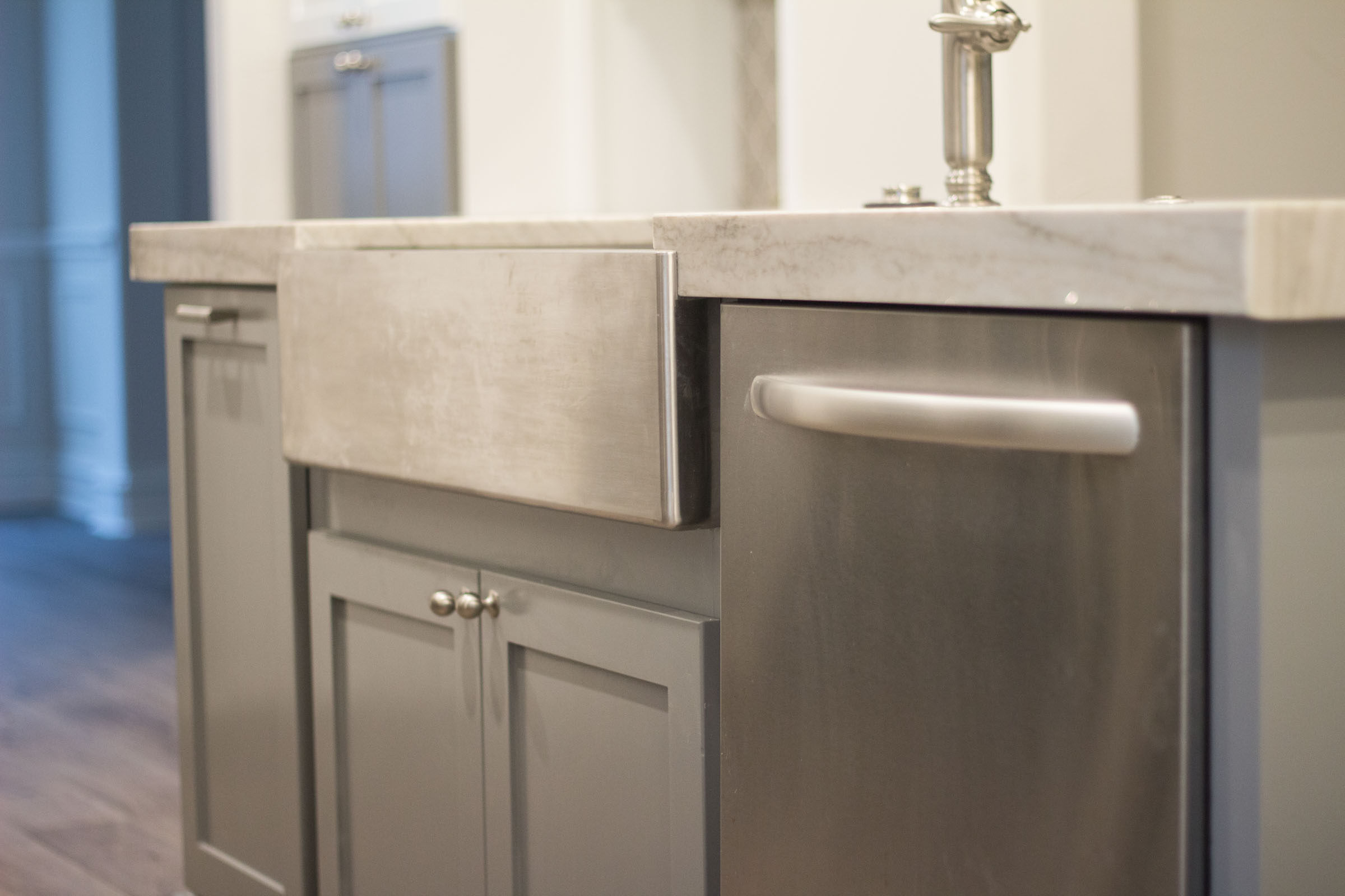 Kitchen remodel with stainless steel appliances, dishwasher, farmhouse sink, grey shaker cabinets, granite counter tops